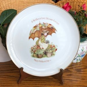 Mother's Day Holly Hobbie Commemorative Plate